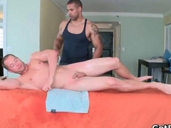 Super sexy muscled hunk Axel gets his dick sucked