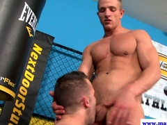 Straight muscled dude mouth fucks his buddy