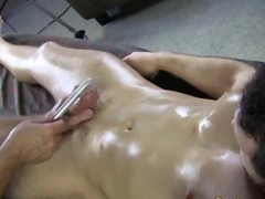 Straight guys gets a handjob from his masseur