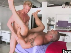 Muscle guy gets fucked in his loose gay ass
