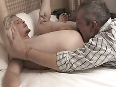 Daddy and friend rim their boy