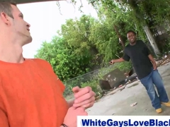Amateur interracial thug sucks a white dudes cock outdoors