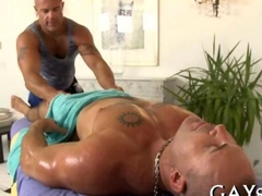 Hunky massage therapist Sucking and fucking his gay client