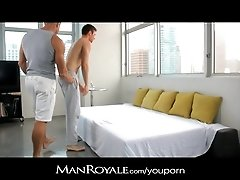 ManRoyale Hot guy massages a bodybuilder's cock