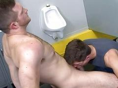 Blowjob satisfaction in toilet after boxing